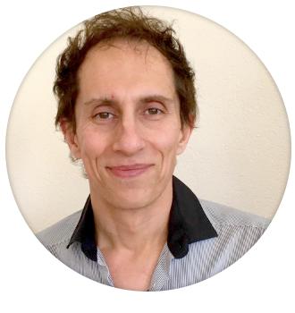 photo ronde de José Louro, souriant, il est citoyen suisse et portugais