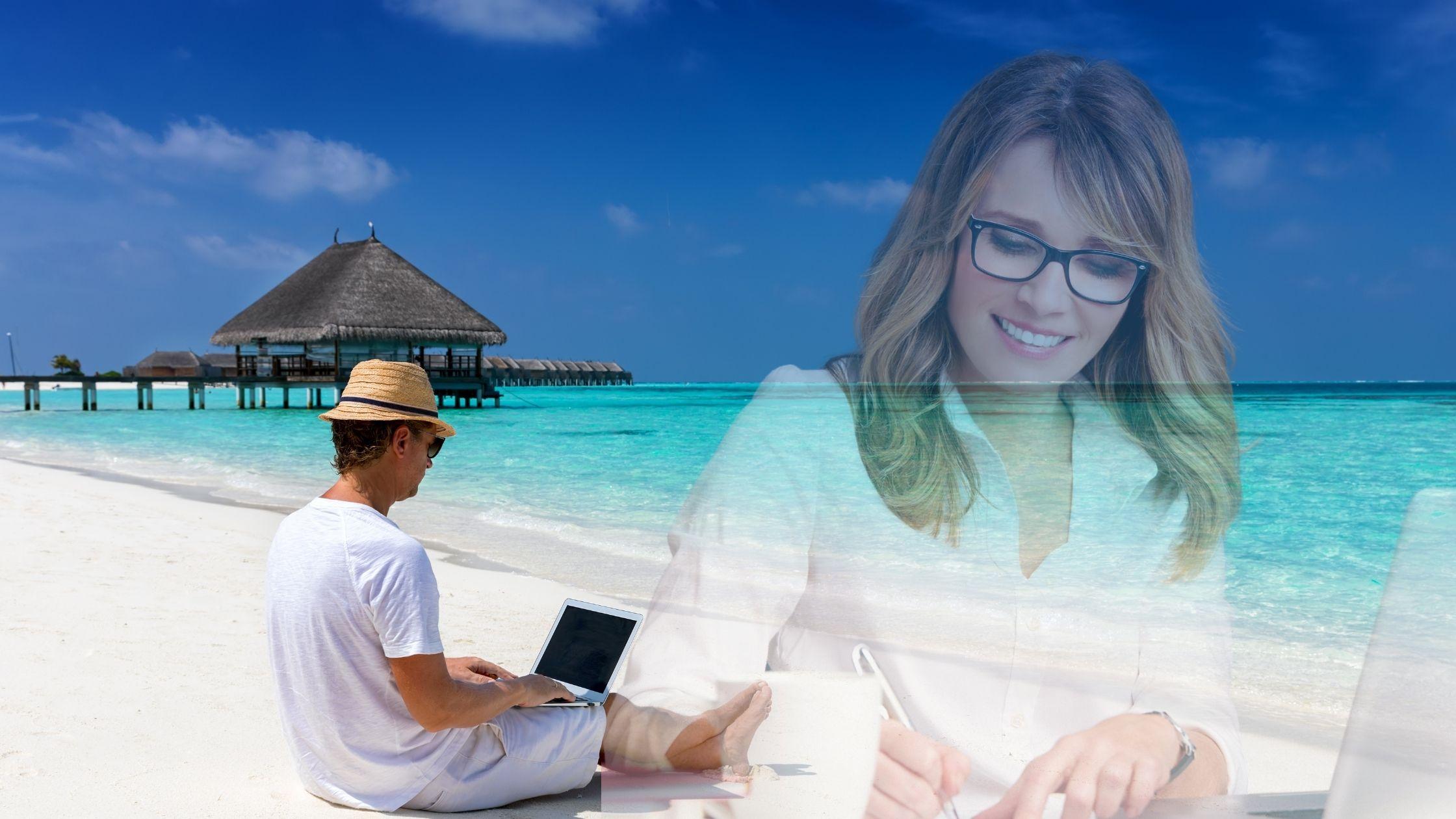 Comment être une image solopreneur productive – Image de deux individus différents mais tous les deux solopreneur. Faire des affaires dans deux endroits différents, mais les deux apprécient ce qu'ils font pour leur propre entreprise. La femme porte une tenue de bureau décontractée blanche, des cheveux blonds, des lunettes avec cadre noir. Une femme écrit devant son ordinateur. Puis l'autre gars avec un chapeau marron, une chemise blanche et un short assis au bord de la mer avec son ordinateur portable.